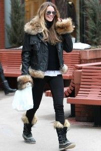 Mandatory Credit: Photo by BDG / Rex Features (1265846a) Elle MacPherson Elle Macpherson out and about in Aspen, Colorado, America - 23 Dec ...