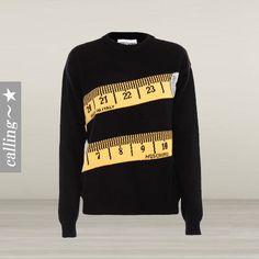 セレブ愛用☆MOSCHINO☆ Crew Neck Sweater with Measuring Tape