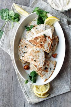 Kanttarelli-quesadillat // Chantarelle Quesadilla Food & Style Tiina Garvey, Fanni & Kaneli Photo Tiina Garvey www.maku.fi