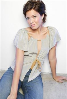 Image detail for -... Mandy Moore Mandy Moore looking gorgeous in a short brunette hair
