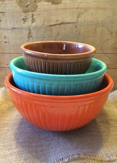 Red Wing Stacking Bowls Gypsy Trail Reed Nesting Bowls Set of Three Orange Teal and Brown Vintage Red Wing Pottery Vintage Bowls, Vintage Glassware, Vintage Items, Red Wing Pottery, Nesting Bowls, Ageless Beauty, Mixing Bowls, Pottery Bowls