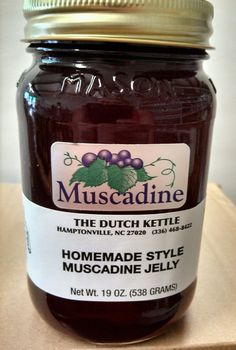 MUSCADINE JELLY Dutch Kettle Homemade Style Jelly BEST IN THE SOUTH 19oz's Pint #DutchKettle