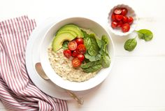 Cheesy Oats with Tomato, Avocado and Spinach - Nature's Path