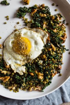 crispy lentils with walnuts and za'atar l punctuated. with food