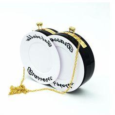34.25$  Watch here - https://alitems.com/g/1e8d114494b01f4c715516525dc3e8/?i=5&ulp=https%3A%2F%2Fwww.aliexpress.com%2Fitem%2F2016-New-fashion-interesting-design-Plate-Shape-Acrylic-Evening-women-HandBags-Letter-Printing-Hard-Lady-Dinner%2F32685388931.html - NEW design double dish Shaped Acrylic Evening bag ladies chain shouler bag Letter Print Hard Lady Dinner Party women Clutch BagS 34.25$