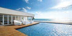 都心から1時間で南国リゾート?湘南の海が見える絶景カフェ10選 | RETRIP