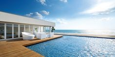 都心から1時間で南国リゾート?湘南の海が見える絶景カフェ10選   RETRIP