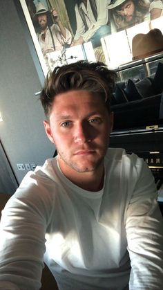 Discovered by Directioner. Find images and videos about music, niall horan and singer on We Heart It - the app to get lost in what you love. James Horan, Liam Payne, Louis Tomlinson, Niall Horan Baby, Naill Horan, Niall Horan Imagines, One Direction Fotos, One Direction Pictures, Direction Quotes