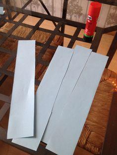 Het maken van een kubus van papier  STAP 1: 12 stroken papier