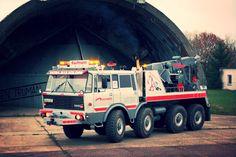 Tatra T 813 kolos Heavy Duty Trucks, Tow Truck, Fire Engine, Cool Trucks, Heavy Equipment, Motor Car, Crane, Cars And Motorcycles, Transportation