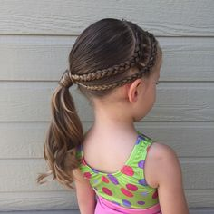 """489 curtidas, 76 comentários - Katie Niemann (@sophies.hairstyles) no Instagram: """"We took the summer off gymnastics and today is our first day back. Sophie is so so excited. We did…"""""""