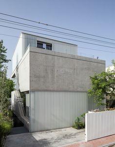 Galeria de Um Corte Concreto / Pitsou Kedem Architects - 3