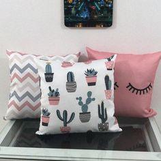 🎀Compose de 3 almofadas . 📍Tecido Cute Bedroom Ideas, Cute Room Decor, Girl Bedroom Designs, Teen Room Decor, Room Decor Bedroom, Coral Throw Pillows, Throw Cushions, Diy Pillows, Custom Pillows