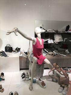 High-Fashion Mannequins präsentiert zur Euro Shop 2017 bei Prange Düsseldorf Königsallee. #Extravagant #Make-up #Mannequins #visualmerchandising