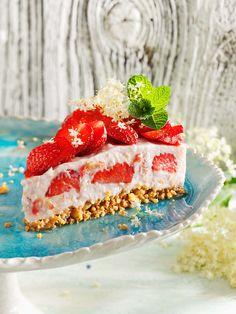 Erdbeer-Milchreis-Torte | http://eatsmarter.de/rezepte/erdbeer-milchreis-torte-0