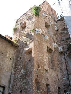 ✼∿Cappi     Remains of the Roman public baths