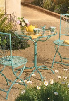 Delicate Outdoor Dining.hmmm I Never Thought Of Painting My Little Bistro  Set, Maybe