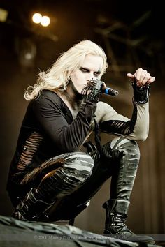 amé ese look! ❤_❤  Chris Harms [Lord Of The Lost] · Mera Luna 2013 · Photo by Mandy Privenau