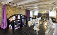 De Waagdrager in Amsterdam is zeer geschikt voor vergaderingen, events, exposities, borrels en private dining.