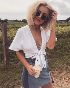 Summer Sexy Blouse Women Deep V Neck White Ladies Tops Bow Tie Lace Up Shirts Short Sleeve Cropped Blusas Mujer Moda Outfits, Style Outfits, Summer Outfits, Cute Outfits, Fashion Outfits, Fall Outfits, Tie Crop Top, Front Tie Top, Noora Style