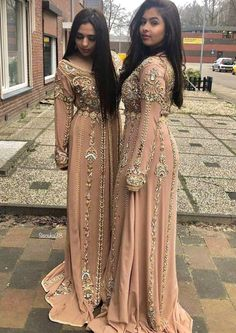 Caftan chique – – My World Morrocan Wedding Dress, Morrocan Dress, Moroccan Bride, Asian Wedding Dress, Moroccan Caftan, Sexy Wedding Dresses, Prom Dresses, Formal Dresses, Lace Wedding