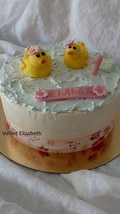 Dnes malá Emma oslavuje krásny prvý rôčik ......kúpajúce kačičky to s nou dnes oslávili....malinové cesta...jedno citronové cesto....šľahačkovo - pudingový krém a veľa jahôd.....všetko naj naj naj prajem malej princeznej--------------Today, the little Emma celebrates the beautiful first towel ...... the baking pudding with today's celebrating ... raspberry ... one lemon dough ... whipped cream - pudding cream and lots of strawberries ..... all I wish the little princess