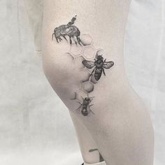 Small Tattoos sells temporary tattoos designed by professional artists and designers. Our temporary tattoos are safe and non-toxic. Pin Up Tattoos, Leg Tattoos, Girl Tattoos, Sleeve Tattoos, Tattoos For Women, Little Tattoos, Small Tattoos, Honey Bee Tattoo, Honeycomb Tattoo