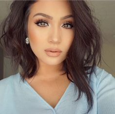 Short To Medium Length Layered Hairstyles Medium Length Hair With Layers, Medium Hair Cuts, Short Hair Cuts, Medium Hair Styles, Curly Hair Styles, Short Medium Layered Haircuts, Layered Hairstyles, Round Face Haircuts, Corte Y Color