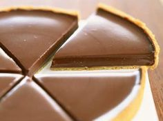 Chocolate tart by on www.de - Kuchen - gateaux et desserts Tart Recipes, Sweet Recipes, Dessert Recipes, Cooking Recipes, French Recipes, Just Desserts, Delicious Desserts, Yummy Food, Food Tags