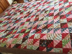 """VINTAGE HANDMADE RED BLUE BROWN TRIANGLE PATCHWORK  QUILT 74"""" X 90"""""""