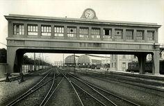 Post Central d'Enclavaments de l'estació de Barcelona-Terme by Museu del Ferrocarril de Catalunya, via Flickr