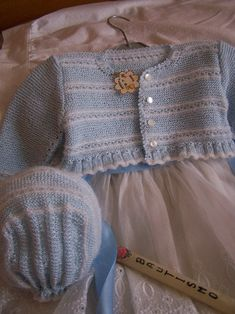 Crochet Baby Hat Patterns, Crochet Baby Hats, Baby Knitting, Knitted Hats, Knit Crochet, Bolero, Baby Cardigan, Crochet Projects, Patches