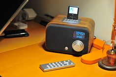 The Vers 1.5, compact AM/FM sound system for iPod