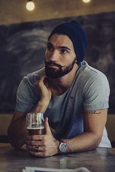 trending in menswear, the lumbersexual « Outi Les Pyy