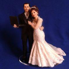 #noivinhosparatopodebolo #noivamédica #noivoengenheiro  #estetoscópio #planilha #notebook #casamentofeliz #weddingcaketoppers #vestidodenoiva #noivasdobrasil #ograndedia #topcake