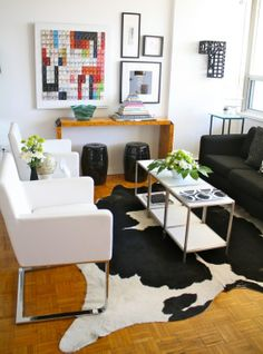 Black, White, Silver & Warm Woods in the Living RoomRoommarks