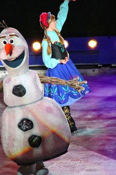 Disney Princess Cosplay, Princess Costumes, Disney Costumes, Disney On Ice, Surprise Ideas, Cosplay Ideas, Skating, Festivals, Entertaining