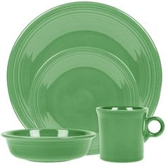 Bold color and classic style merge beautifully in iconic Fiesta Dinnerware. Fiesta's timelessly chic concentric ring pattern in durable ceramic transforms any meal into a celebration. Mix and match colors to create your signature look. Grey Dinnerware, Classic Dinnerware, Casual Dinnerware, Fiesta Colors, Spode Christmas, Organic Shapes, Mugs Set, Place Settings, Bold Colors