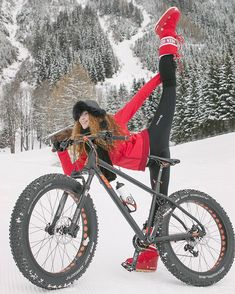 studiocw: Snow Angel Sure Can Stretch Bicycle Women, Bicycle Girl, Bmx Girl, Woman Riding Horse, Montain Bike, Girls Mac, Skateboard Helmet, Snow Girl, Female Cyclist