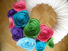 Spring/Summer fabric wreath with felt flowers by simonzsa on Etsy, $24.00 Summer Flowers, Felt Flowers, Fabric Flowers, Fabric Wreath, Yarn Wreaths, Spring Summer, Crafty, Rose, Unique Jewelry