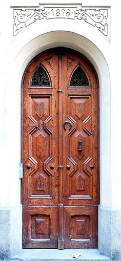 Amazing wood Door, Barcelona, Catalunya , Spain !! Photography : Armin Schulz !!!  Flickr - photo sharing !