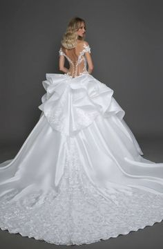 "Gorgeous Embroidered Off Shoulder Cinderella Wedding Dress / Bridal Ball Gown with V-Neck Cut, Open Back and Long Train. Collection ""Fragile"" by Pnina Tornai Stunning Wedding Dresses, Princess Wedding Dresses, Perfect Wedding Dress, Dream Wedding Dresses, Beautiful Gowns, Bridal Dresses, Wedding Gowns, Cinderella Wedding, Mermaid Wedding"