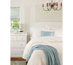 I love blue and white for bedrooms. So peaceful.