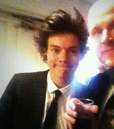 Louis Y Harry, Harry 1d, King Of My Heart, Harry Styles Wallpaper, Harry Styles Pictures, Mr Style, British Boys, Family Show, Harry Edward Styles