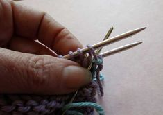 Learn how to join two live ends of knitting to seamlessly connect both sides. This is an easy technique that you MUST add to your knitting arsenal.