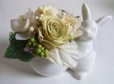 *使用花材....プリザーブドフラワー(ローズ×2) アートフラワー、フェイクパール*全体的にごくごく優し...|ハンドメイド、手作り、手仕事品の通販・販売・購入ならCreema。