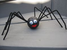 Craft Klatch: Halloween Glitter Spider Craft Tutorial