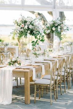 This Wedding Is So Full Of Charleston Charm That It Will Make You An Instant Southern Belle Southern Belle Wedding, Southern Bride, Southern Weddings, Southern Wedding Inspiration, Real Weddings, Charleston Beaches, Cedar Room, Reception Table Decorations, Luxury Wedding Venues