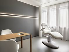 Entourage Clinic, Lausanne, 2015 - Potential Dental clinic look Medical Office Design, Dental Office Design, Healthcare Design, Dental Offices, Clinic Interior Design, Clinic Design, Lausanne, Design Clinique, Health Design