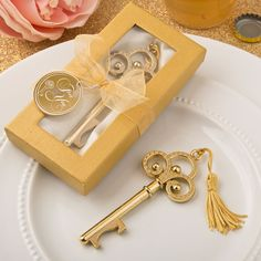Gold Vintage Skeleton Key Bottle Opener Fashioncraft- A classic skeleton key in gold makes a stunning table decoration and a trendy useful favor when it opens bottles! This opulent favor features a classic skeleton key shape and is crafted from sturd Wedding Favors Unlimited, Unique Wedding Favors, Wedding Ideas, Wedding Gifts, Wedding Themes, Wedding Stuff, Wedding Inspiration, Anniversary Favors, 50th Wedding Anniversary